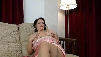 Huge marangos gapes her holes-webcamgirls-here.com